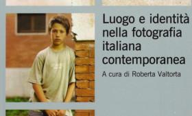 Salotto letterario: Luogo e identità nella fotografia italiana contemporanea